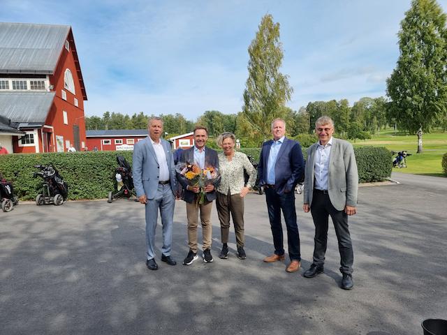 Peter Bäckbom från Peter Bäckboms Golf AB är årets företagare i Salem 2021